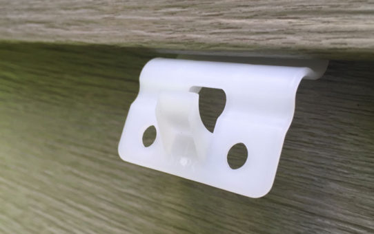 VZ Hang vinyl siding hook on house
